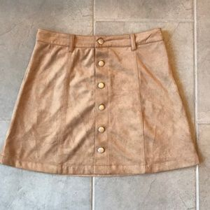 Button front suede-like skirt by Olivaceous size M